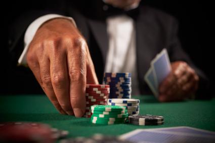Manfaat Bermain Judi Poker Online Untuk Anda
